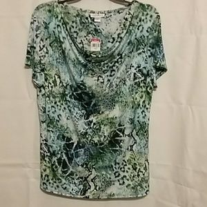 NWT Jaclyn Smith silky knit shirt